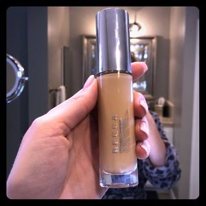 Becca Ultimate Coverage Foundation in Buttercup